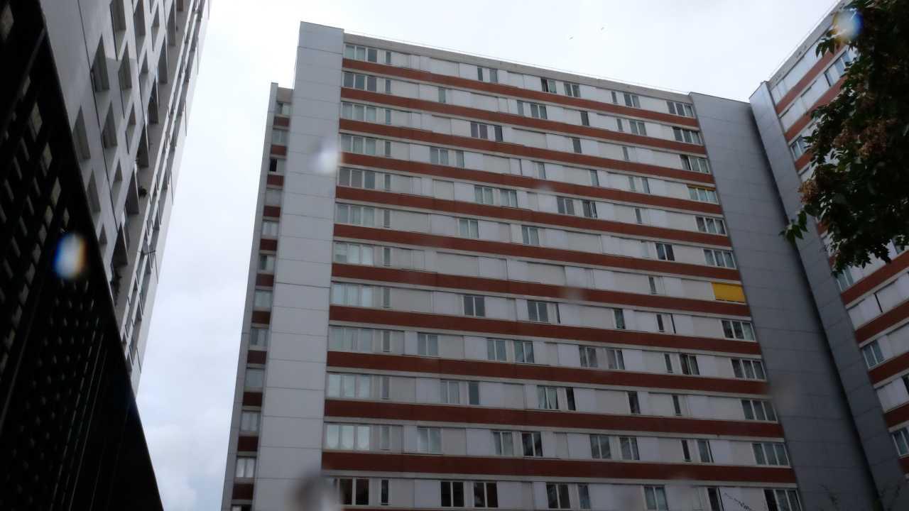 loc 39 annonces 2 pi ces paris 17e arrondissement. Black Bedroom Furniture Sets. Home Design Ideas